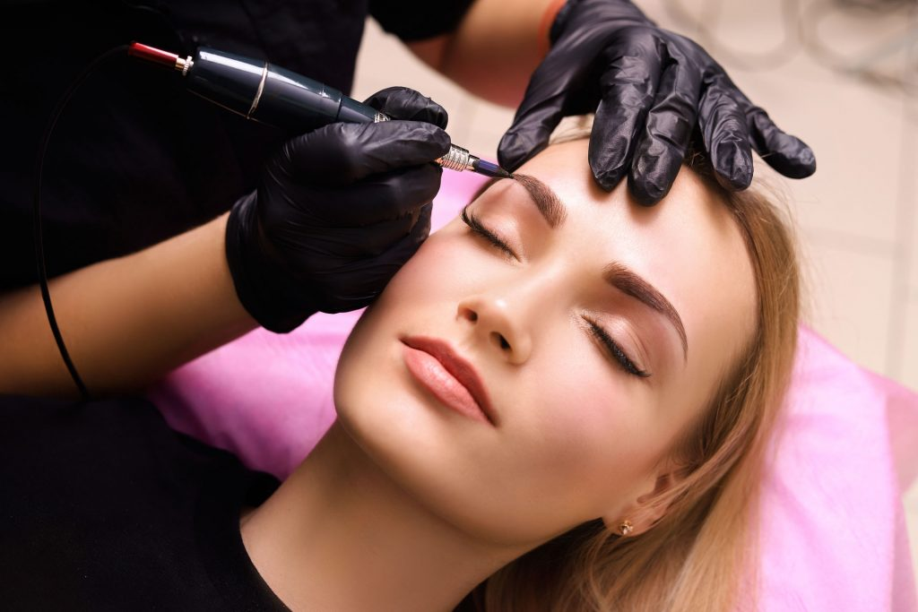 Eyebrows permanent makeup procedure